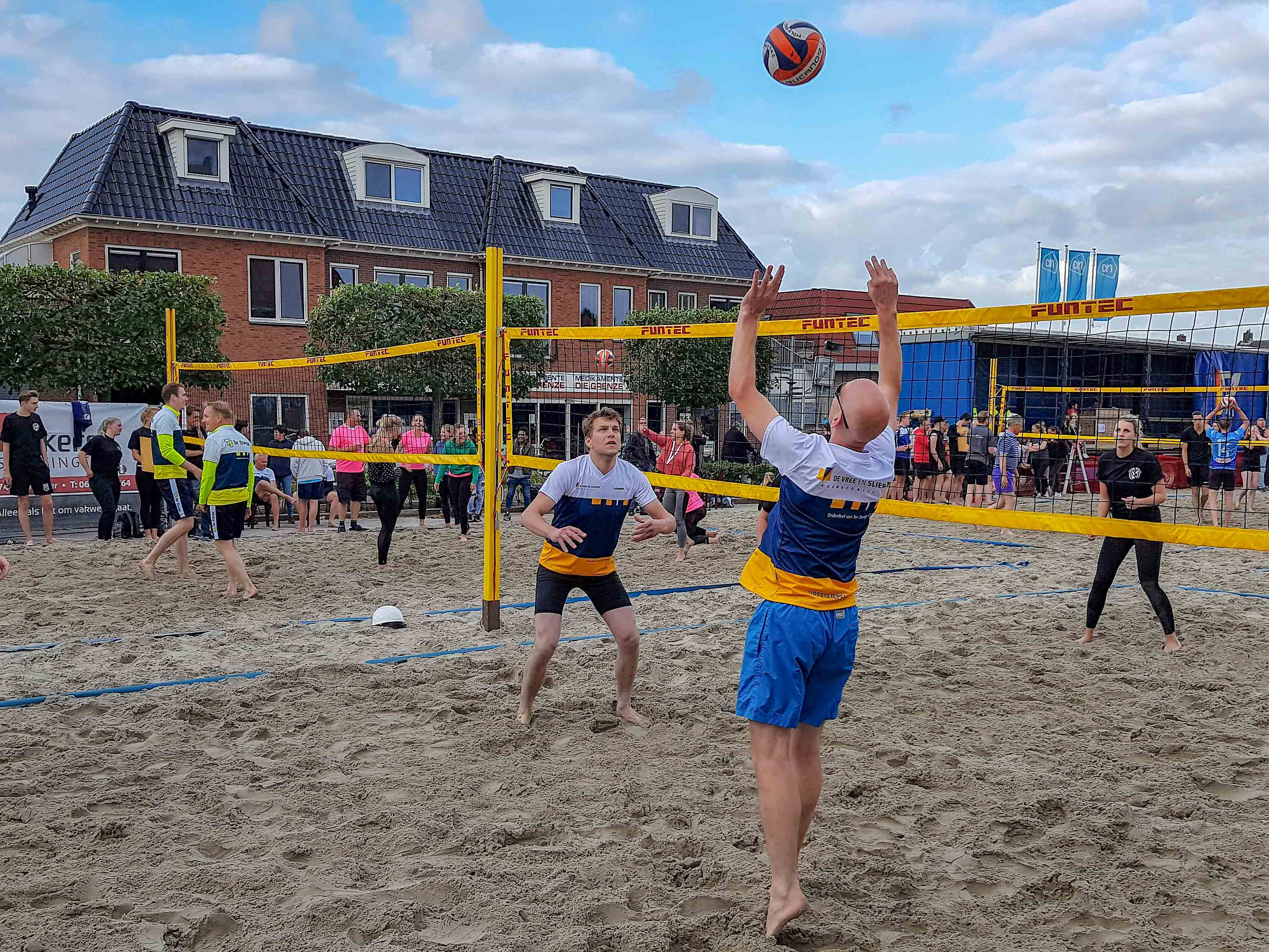Beachvolleybaltoernooi in Enter